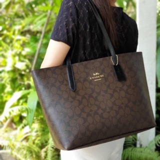 Review Avenue tote