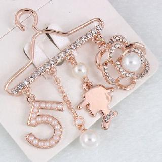 Image # 3 of Review jinzhoutianmu 1PCHanger Brooch Number 5 Plating Spend Pearl Rhinestones Rose Flower White