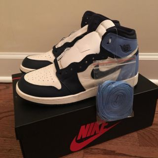 Nike Air Jordan 1 High Retro Obsidian UNC