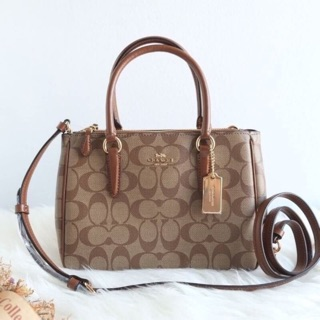 Review Coach Mini Surrey Carryall สวยหรูมาก
