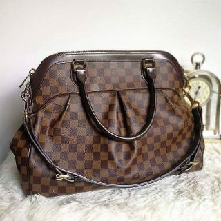 Review Louis​ Vuitton​ Trevi