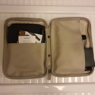 Review Amenity Kit by American Airlines