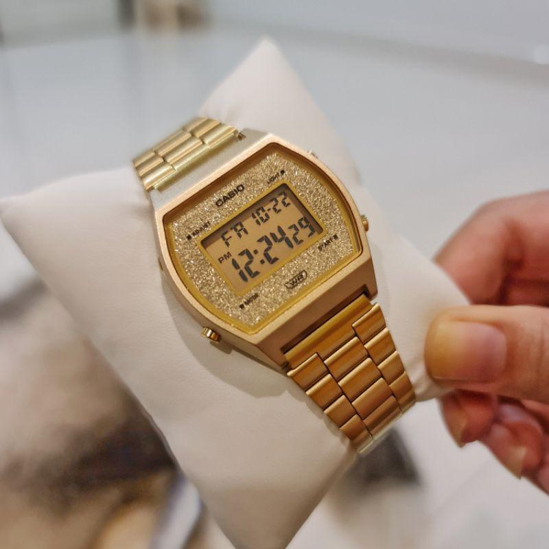 นาฬิกาผู้หญิง CASIO รุ่น B640WGG-9 สีทองตกแต่งด้วยคริสตัลบนหน้าปัด