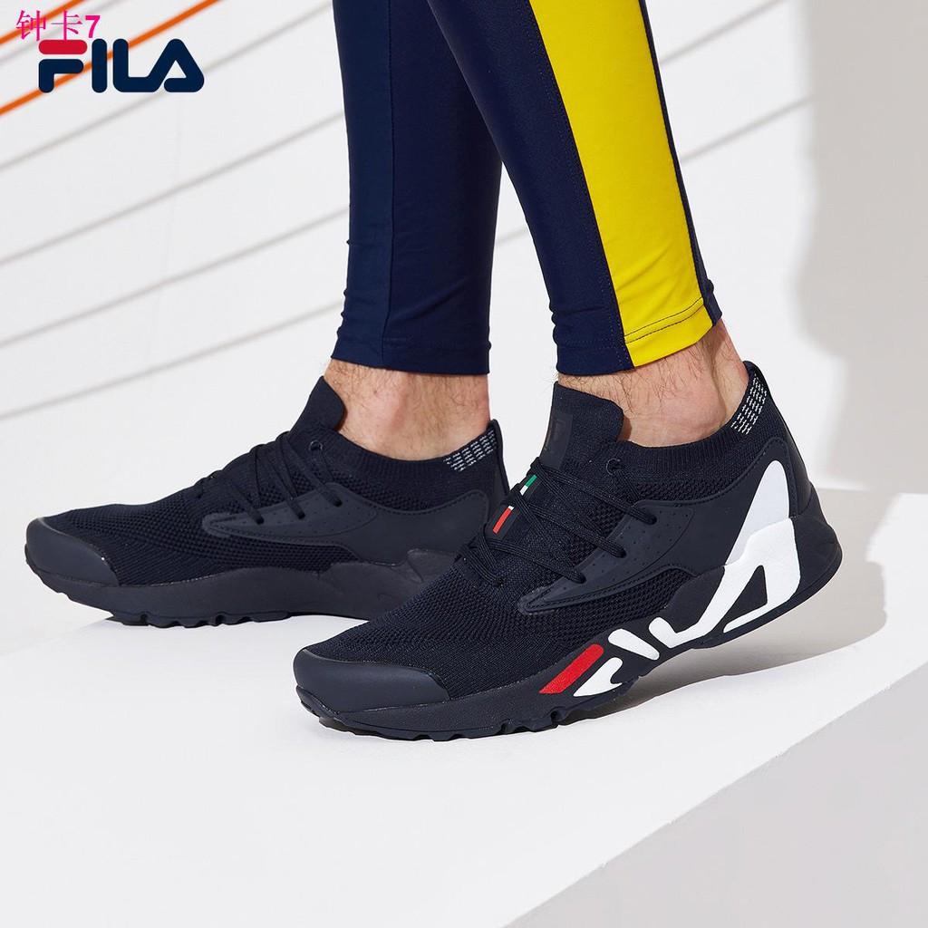 ∋FILA รองเท้าวิ่งรองเท้าผู้ชาย 2021 ฤดูใบไม้ผลิใหม่ตาข่ายระบายอากาศรองเท้ากีฬารองเท้าวิ่งย้อนยุค