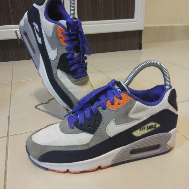 . Nike Air Max 90