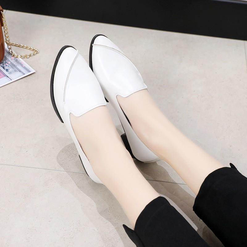รองเท้าคัทชูผู้หญิง รองเท้าแฟชั่นผู้หญิง รองเท้าคัชชูหัวแหลม 💘ส้นเตี้ยรองเท้าผู้หญิงแฟชั่น นิ่มมากไม่เจ็บเท้า❤️
