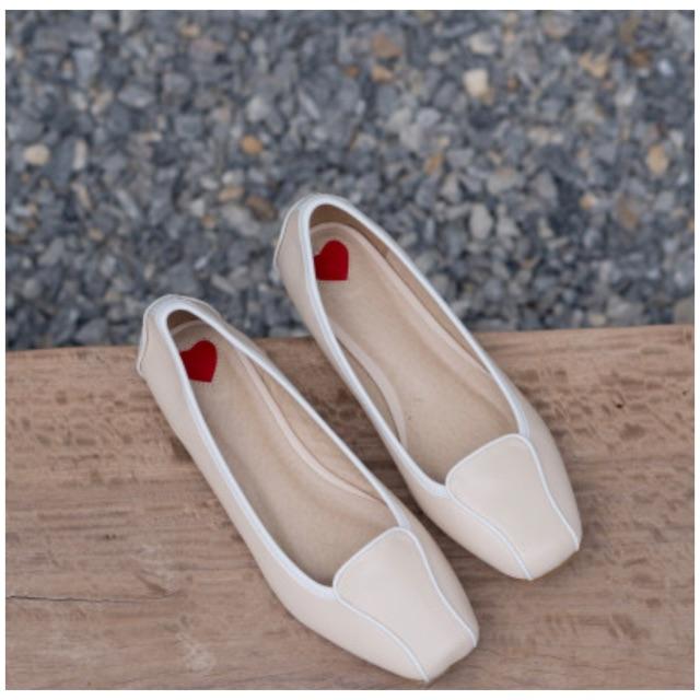 รองเท้าคัชชู ผู้หญิง