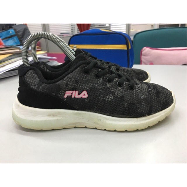 รองเท้าวิ่ง Fila มือสอง ของแท้ ขนาด 38 ยาว 24 ซม