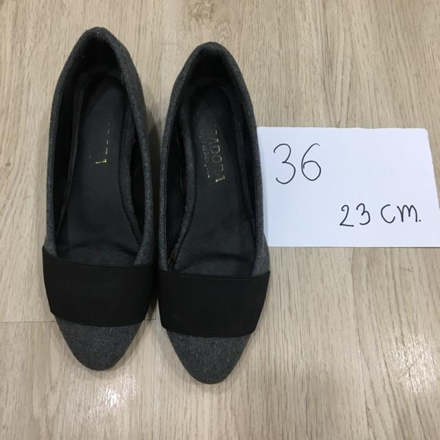 รองเท้าคัชชูมือสอง