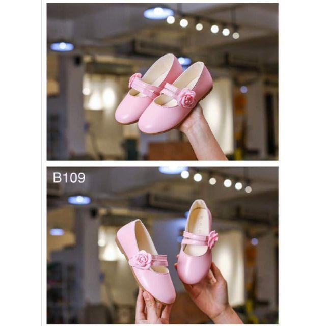 รองเท้าเด็กผู้หญิงคัชชูสีชมพู