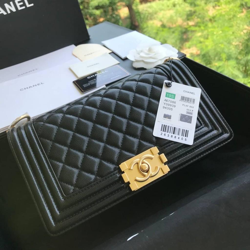 """ราคาพิเศษ มือสองกระเป๋า เคส Chanel Boy 10"""" Grade vip size 25cm full box set อะไหล่ทอง"""