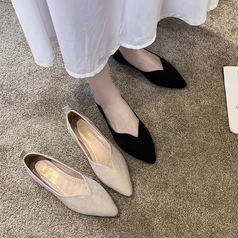 ✥รองเท้าคัชชูส้นแบนหัวแหลมสำหรับผู้หญิงรองเท้าส้นแบนนุ่ม ๆ รองเท้าผู้หญิงไซส์ใหญ่สีดำรองเท้าตักงาน1