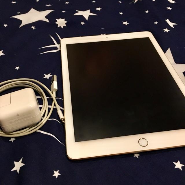iPad Air 2 64GB สีทอง ราคาคุยกันได้ สภาพสวยมาก ไม่ค่อยได้ใช้คัฟ
