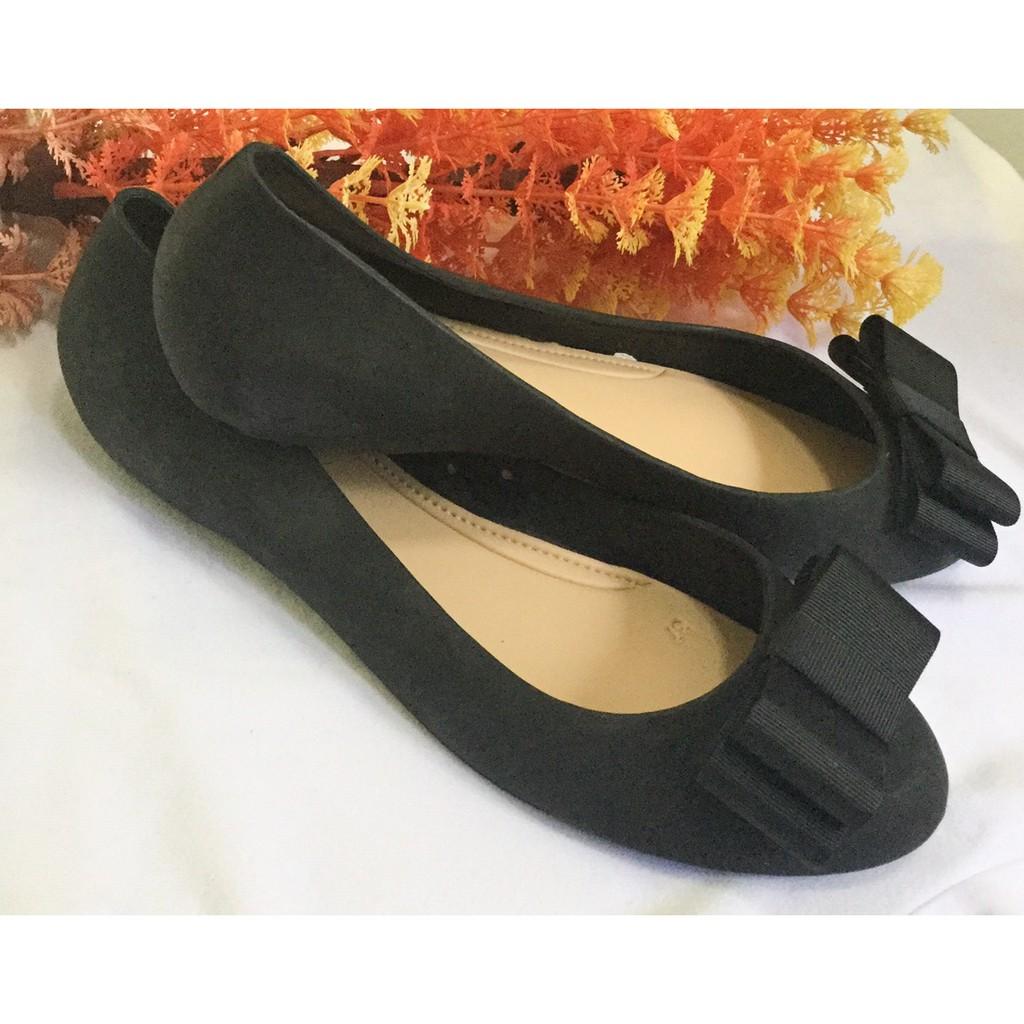 รองเท้าคัชชูมีโบว์ สีดำ