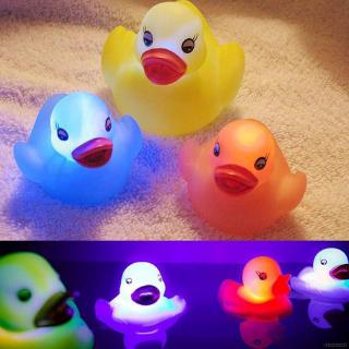 ✿BB-Baby 1PCS Random Color Rubber Duck LED Light Children Baby Bath Toys Float Water Swi