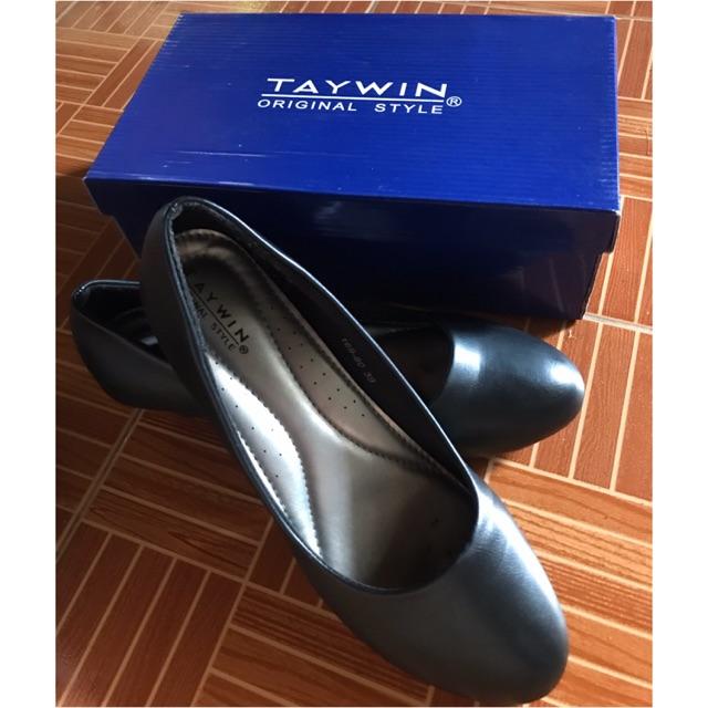 รองเท้าคัชชูผู้หญิงสีดำ ยี่ห้อ Taywin (size 39)