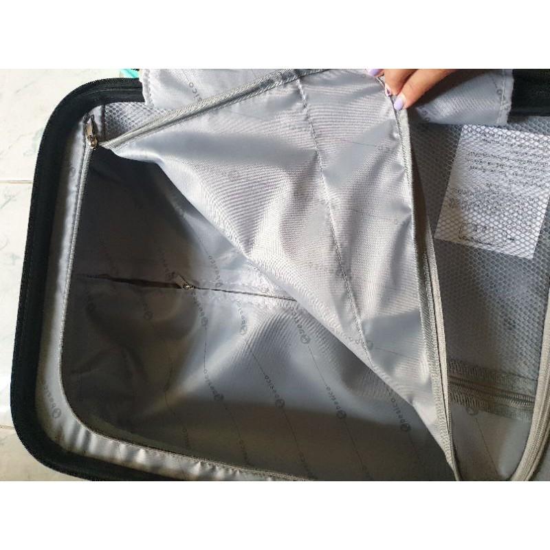 กระเป๋าเดินทางล้อลาก20นิ้ว
