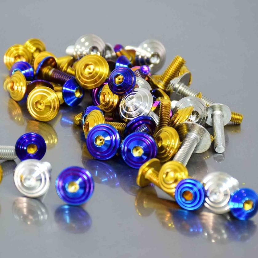 น็อตคอนโซน แสตนเลส 304 (หัวก้นหอย) เบอร์ 10 (M6) ราคาต่อ  ตัว มีสามสี เลส/ทอง/ไทเท