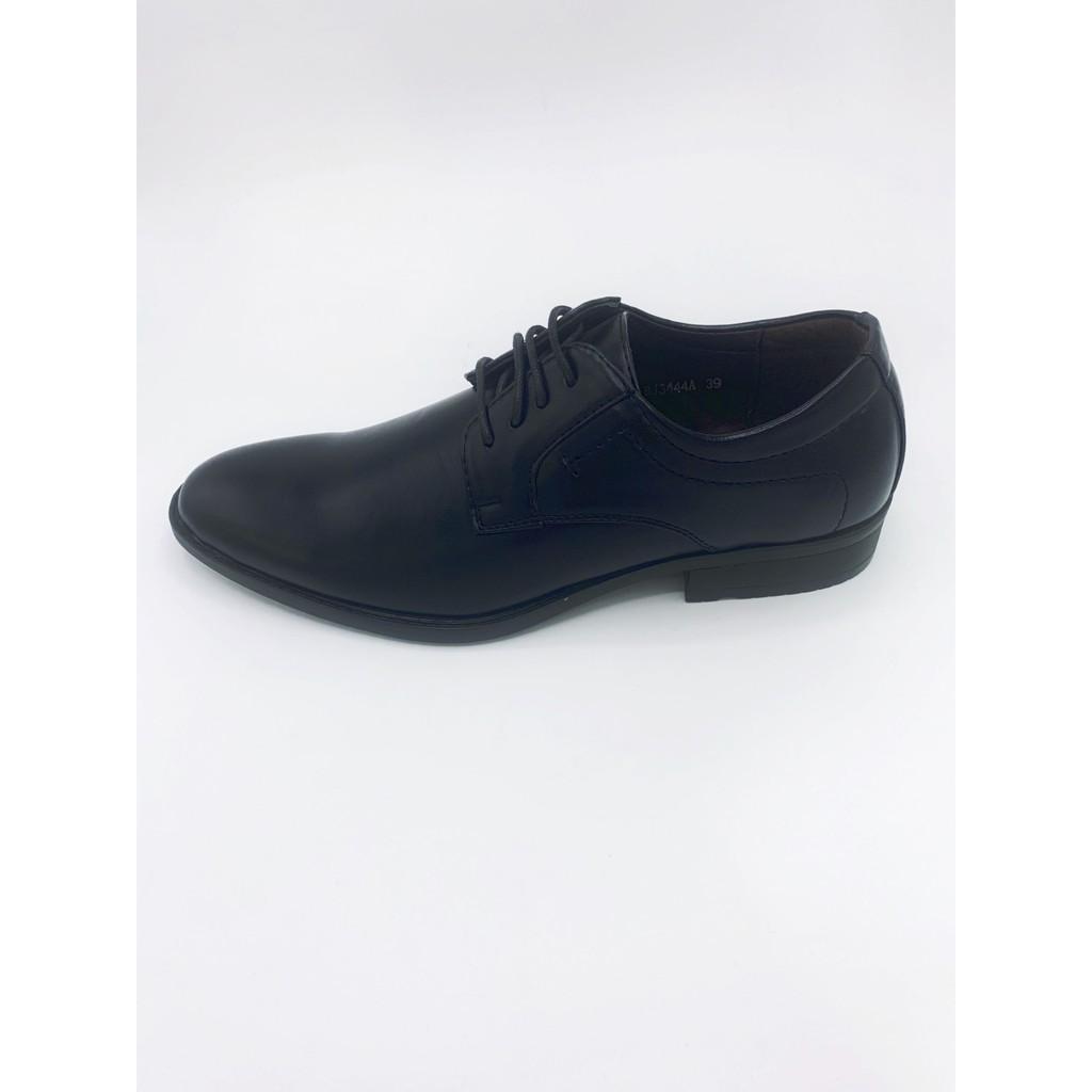 Baoji บาโอจิ รองเท้าผู้ชายคัชชูผูกเชือกหัวแหลม รองเท้าทำงาน รองเท้าคัชชูทำงาน หนังสีดำ ไซส์ 39-46