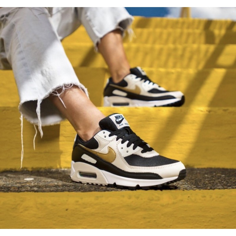 "Nike Airmax 90 ""Whitemetalcgold"" รองเท้าผ้าใบลําลองสีขาวทอง"