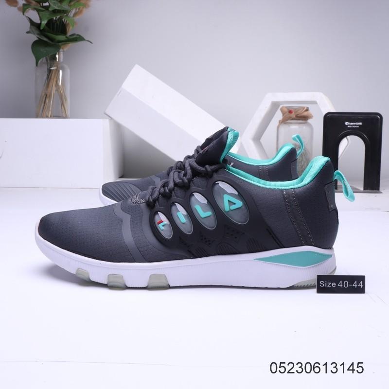 FILA รองเท้าสีขาว รองเท้าวิ่งระบายอากาศ รองเท้ากีฬา    รองเท้าลำลอง รองเท้าแบน135