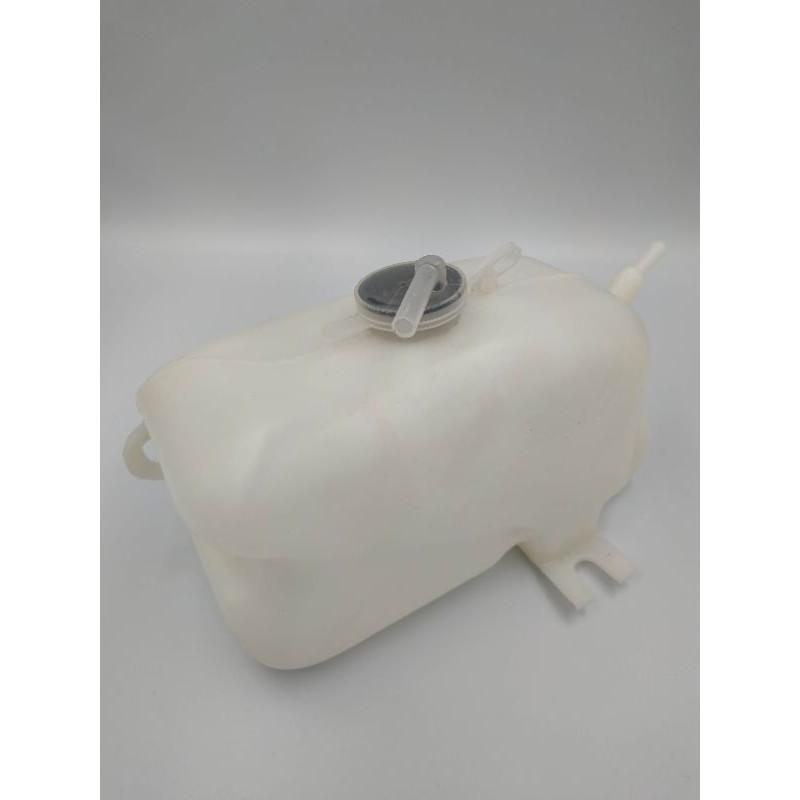 กระป๋องพักน้ำ TFR 93-96