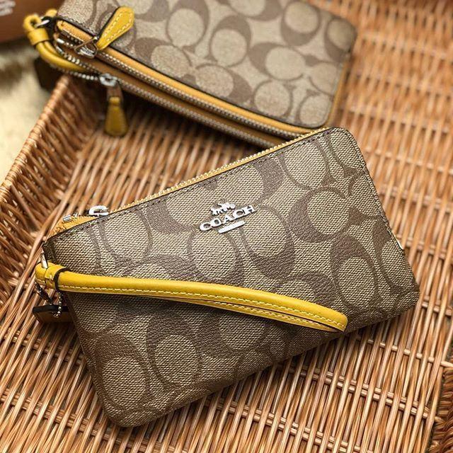 👑 COACH F87591 : กระเป๋า คล้องมือ ไซส์ S 2 ซิป สีเหลือง (Flax) 👑