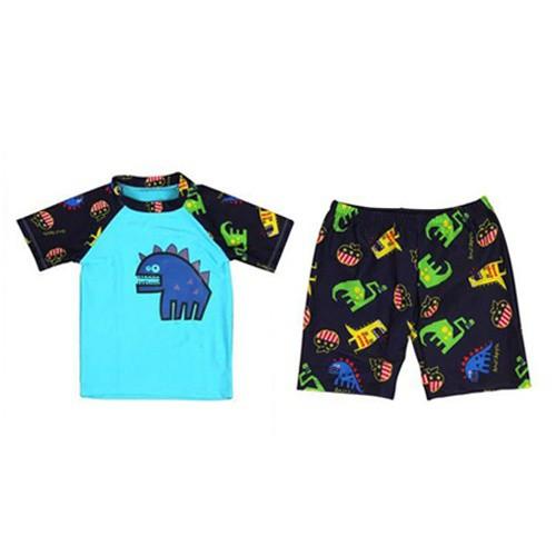 [2020 New Year Sale] ชุดว่ายน้ำเด็กผู้ชาย เนื้อผ้านิ่มใส่สบาย ลายไดโนเสาร์ แถมฟรี Kirei Kirei เจลล้างมือคิเรอิ 50 มล. Eg