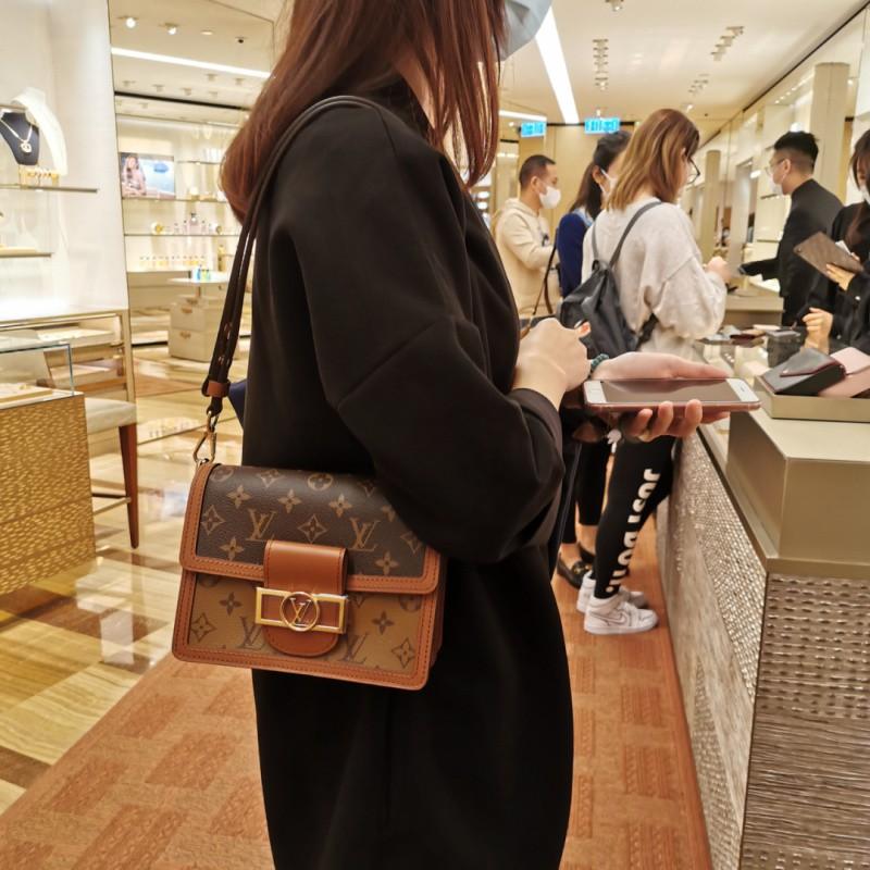 メℤ กระเป๋าเป้สะพายหลัง★★★❤🔥🔥กระเป๋ากระเป๋าเดินทาง ซื้อ LV Louis Vuitton กระเป๋าผู้หญิง Dauphine ย้อนยุคกระเป๋าสะพายข้า