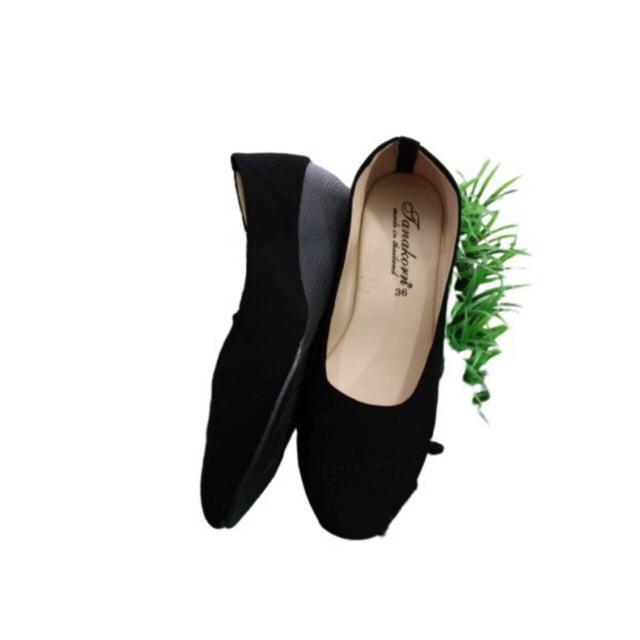 รองเท้าคัชชูเสริมส้น รองเท้าแฟชั่นผู้หญิง สีดำ