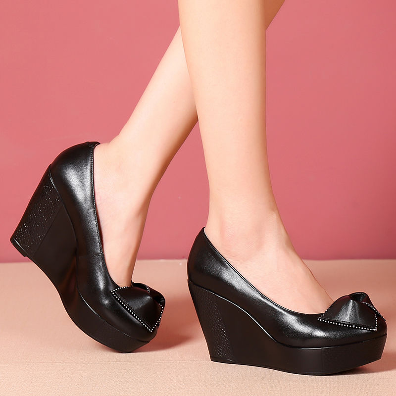 รองเท้าคัชชูส้นเตารีด ลิ่มกับรองเท้าเดียวผู้หญิงหนาแพลตฟอร์มกันน้ำรองเท้าผู้หญิงโบว์ตกแต่งรองเท้าเดียวสีดำแฟชั่นหัวกลมรอ