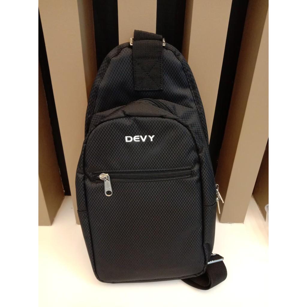กระเป๋าสะพายข้าง DEVY สีดำ