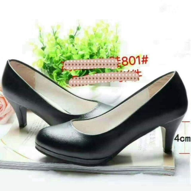 รองเท้าคัชชูสีดำ พื้นนุ่มสูง 2.5 นิ้ว