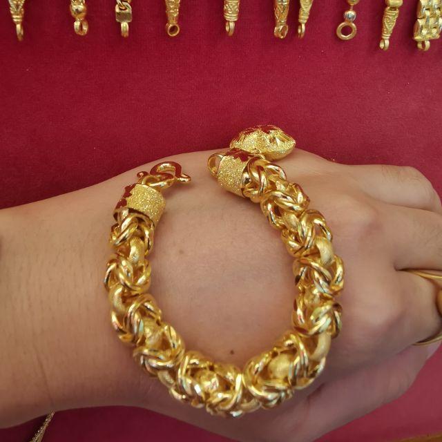 สร้อยมือทอง 96.5%  น้ำหนัก 5 บาท ยาว  16.5cm   ราคา 148,500บาท