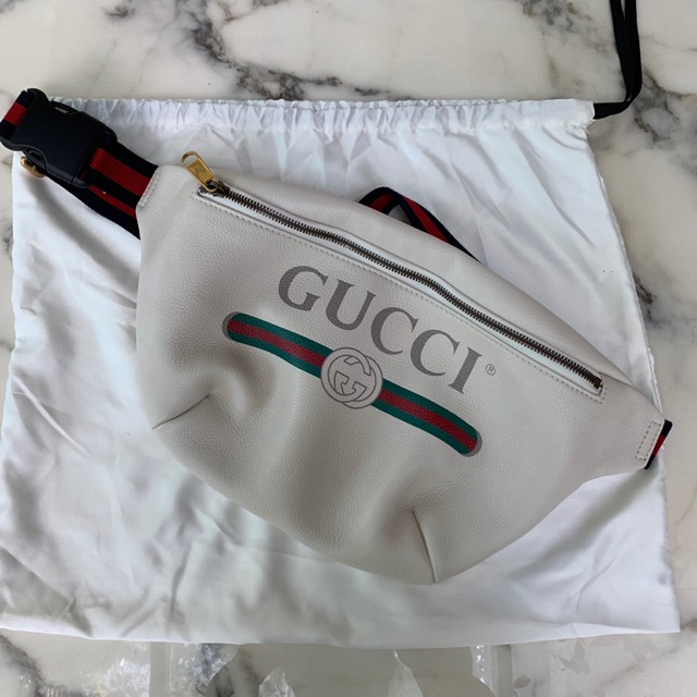 New Gucci belt bag for men size 90