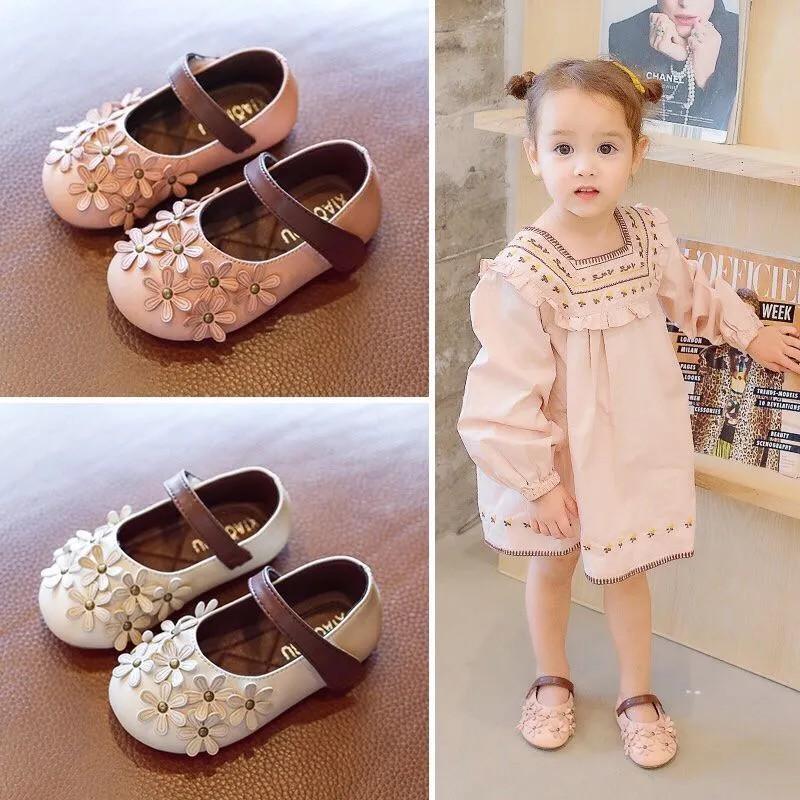รองเท้าคัชชูแต่งดอกไม้สไตล์เกาหลีสำหรับเด็กผู้หญิง