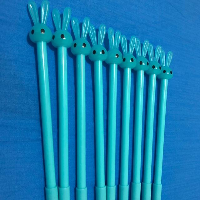 ปากกา หมึกดำ คุณหนูกระต่ายสีฟ้า นัยน์ตาสีดำ ส่งฟ