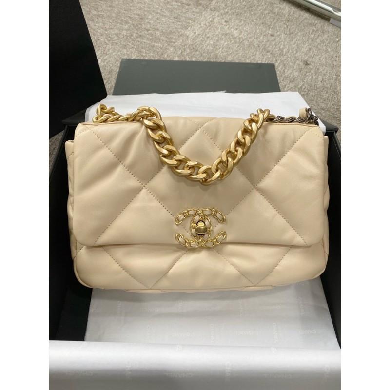 New Chanel 19 beige classic  flap bag holo29 full set