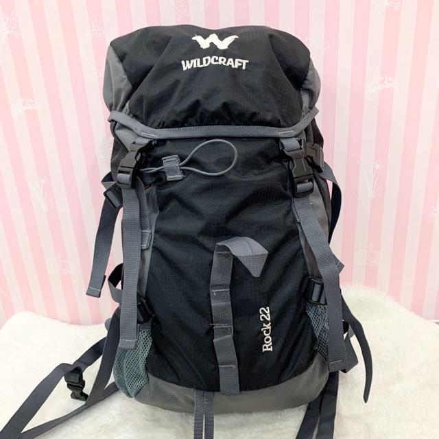 กระเป๋าเป้ กระเป๋าเป้เดินทาง สำหรับเด็กอายุ 8-14ปี สภาพ 90% (สินค้าตามภาพเลยคะ) ขนาด 18x11x7นิ้ว 📣📣มือสอง!!!
