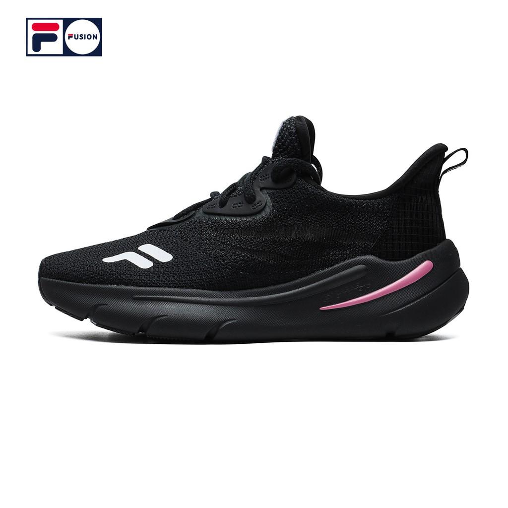 FILA FUSION รองเท้ากีฬาสตรี2021ฤดูร้อนใหม่เหยียบระบายอากาศรองเท้าวิ่งสบายๆ 1jOA