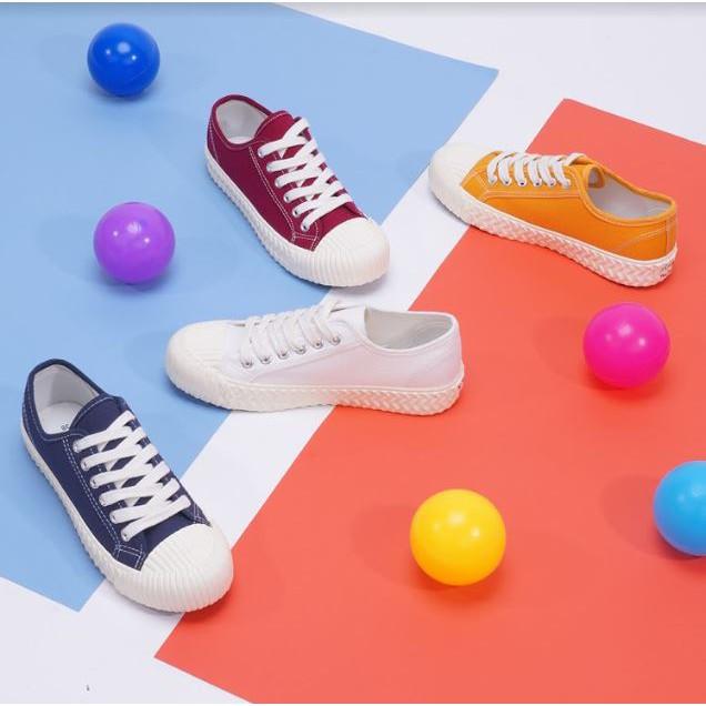 รองเท้าคัชชูผู้หญิง  รองเท้าผู้หญิง รองเท้าผ้าใบ มี 5 สี สีขาว สีดำ สีแดง สีน้ำเงิน และ สีเหลือง HE217