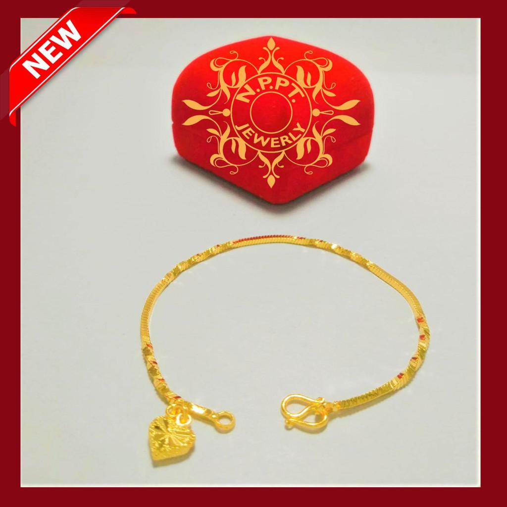 สร้อยข้อมือ ชุบทองไมครอน ลายกระดูกงูเหลี่ยมสลับเกลียวห้อยหัวใจ น้ำหนัก 1 สลึง ความยาว 17 เซน ราคา 199 บาท
