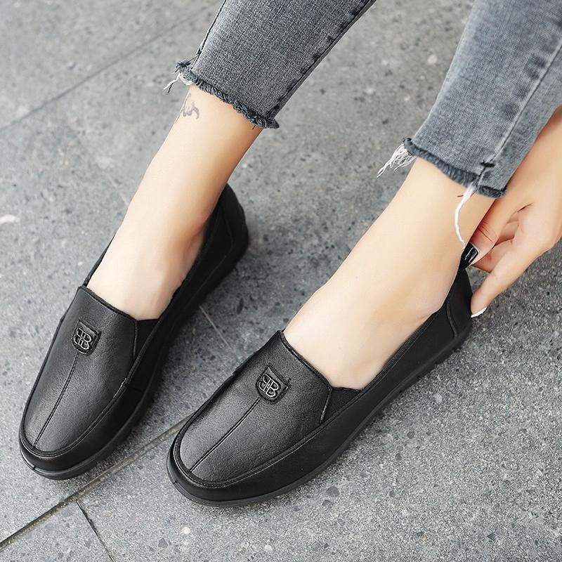 รองเท้าคัชชูสีดำ ส้นเตี้ย หุ้มส้น กำมะหยี่ ผู้หญิง