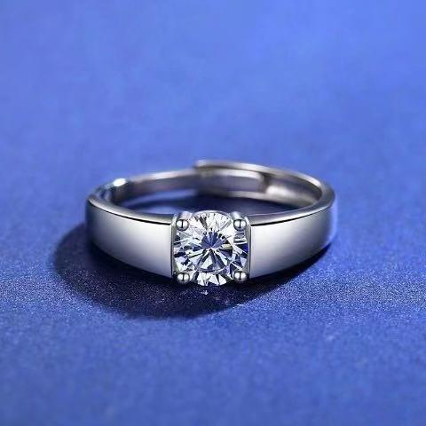 ราคาพิเศษ✚✒☌แหวนเพชรทองคำขาว PT950 1 กะรัตแท้ D color แหวน moissanite หญิงอินเทรนด์ แหวนคู่ทองคำขาว 18K ตัวผู้