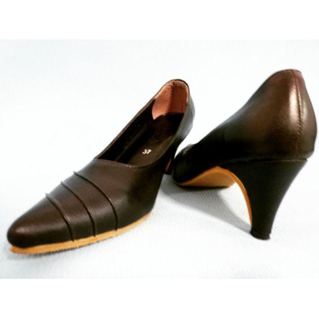 รองเท้าคัชชูสีดำ หนังนิ่ม ไซด์ 37