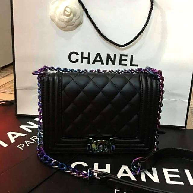 กระเป๋า Chanel boy สีรุ้ง