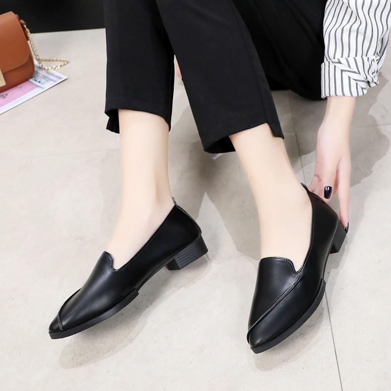 Best SALEรองเท้าผู้หญิงรองเท้าคัชชูหัวแหลม รุ่นหนัง KD02รองเท้าแฟชั่น