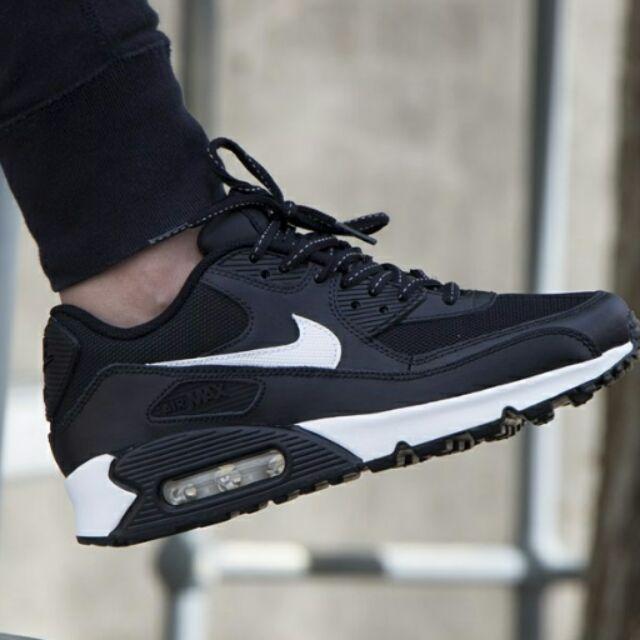 """Nike Airmax 90 """"Black Summit White"""" ลดเพิ่ม 500 บาท"""