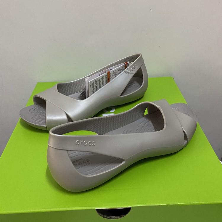 Crocs รองเท้าแตะรองเท้าผู้หญิง Crocs ของแท้แน่นอน