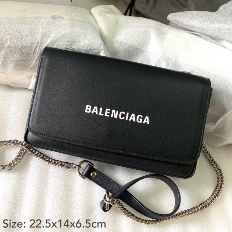 กระเป๋า Balenciaga แท้ 💯ส่งฟรี ems